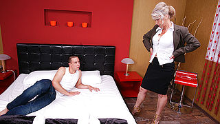 Hairy housewife doing her younger lover