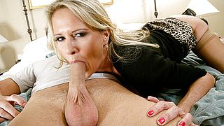 Bridgett Lee and Danny Wylde in Seduced by a Cougar