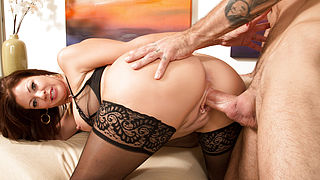 Vanessa Videl and Alan Stafford in Seduced by a Cougar