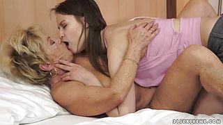 Beata Undine and Malya in intergenerational lesbo
