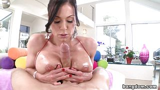 Milf gets her pussy filled with cum and