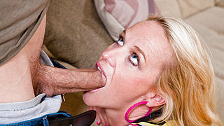Dee Siren and Bruce Venture in My Friends Hot Mom