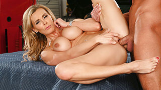 Tanya Tate and Bill Bailey in My Friends Hot Mom