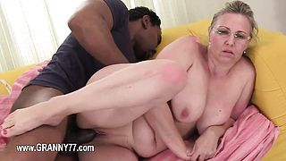 Old mature love blowjob and hardcore penetrate