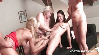 Orgy mature slut gets horny cunt fucked in gangbang