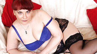 Horny British mature lady plays with her pussy